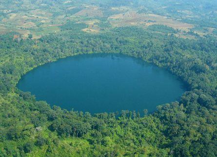 Yak Loum Crater Lake – Ratanakiri, Cambodia