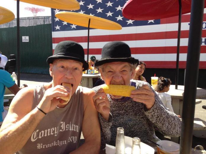 Ian McKellen and Patrick Stewart 04
