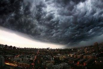 incoming-storm-cloud-new-york-city-panoramic