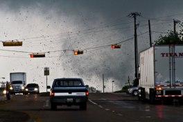 texas-tornado-april-2012-parrish-ruiz-de-velasco-4