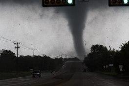 texas-tornado-april-2012-parrish-ruiz-de-velasco-6