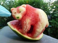 Clive-Cooper-Watermelon-carvings-5-600x450