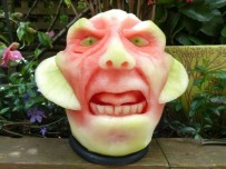 Clive-Cooper-Watermelon-carvings-6-600x450