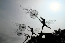 Wire-Fairies-by-Robin-Wight-3-600x400