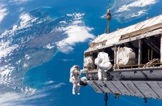 STS-116_spacewalk_1